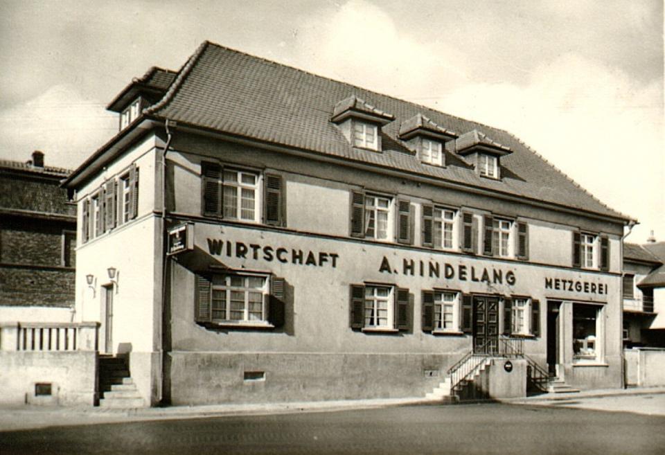 """Die Gaststätte """"Zur Post"""", hier nach ihrem Umbau 1940, war zugleich Haltestelle der Postkutsche."""