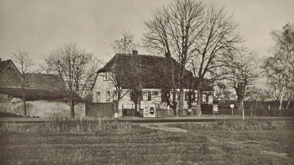 """Das Neuwirtshaus lag außerhalb Hausens an der """"Alten Straße"""" – der heutigen Bundesstraße 448"""